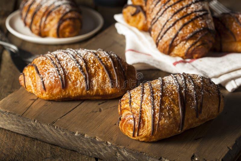 Pastelaria caseiro do croissant do chocolate imagens de stock royalty free