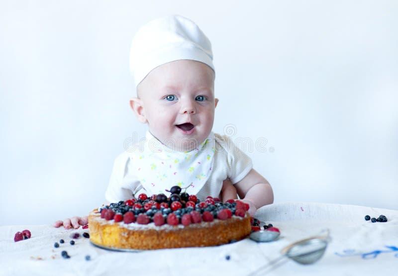 Pasteleiro recém-nascido engraçado fotos de stock royalty free