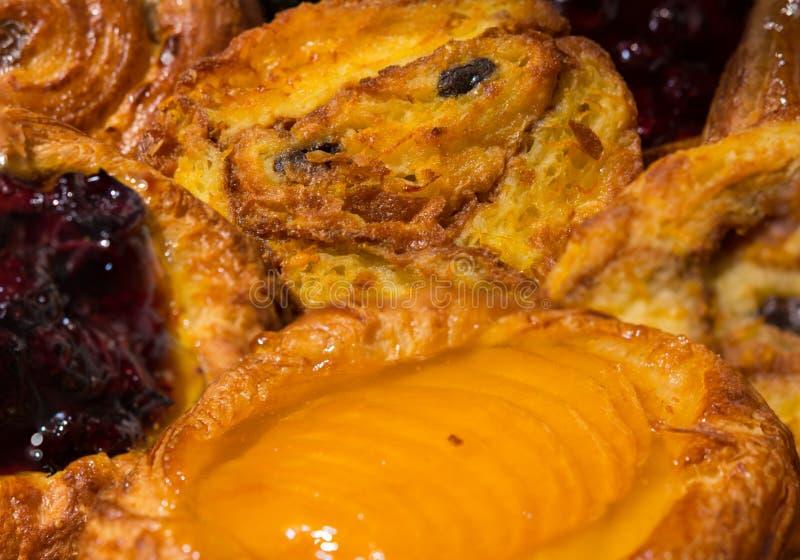 Download Pasteles dulces del pan foto de archivo. Imagen de atasco - 100526144