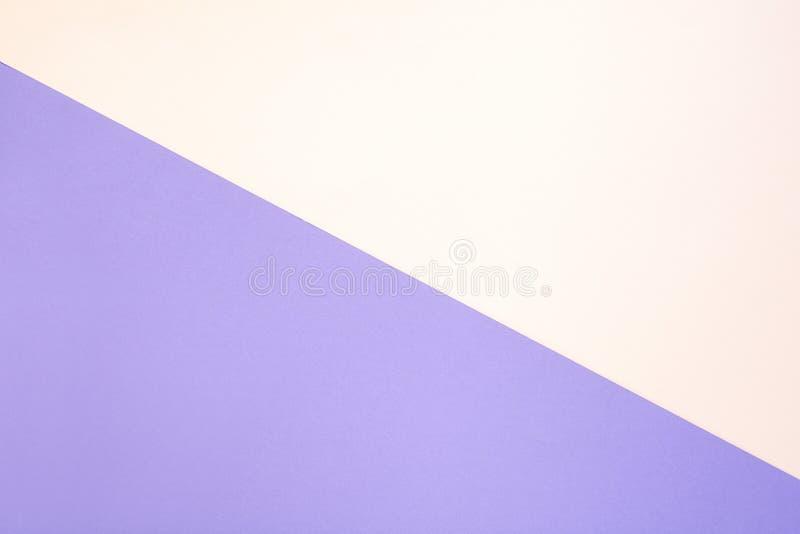 Pastelkleur roze purpere multi-colored document achtergrond De ruimte van het exemplaar Hoogste mening Vlak leg royalty-vrije stock foto's