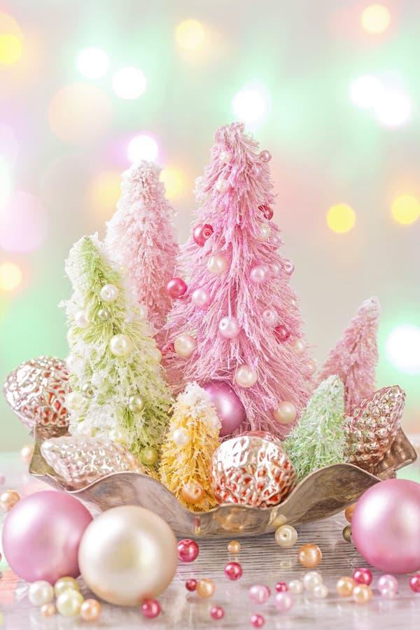 Pastell farbige Weihnachtsbäume lizenzfreies stockbild