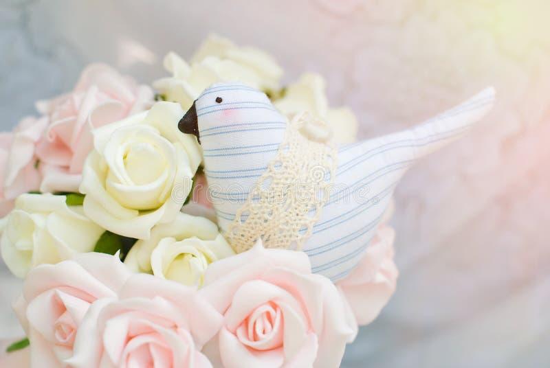 Pastellfärgad bakgrund - mjuka rosor snör åt på textur royaltyfri bild