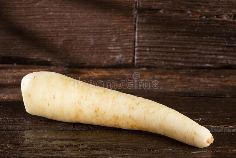 Pasternaki, selerowy creole, racacha, virraca, biała marchewka - Arracacia xanthorrhiza fotografia royalty free