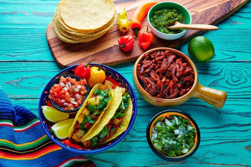 Pasteur Mexican d'Al de Tacos avec l'ananas de coriandre photographie stock libre de droits