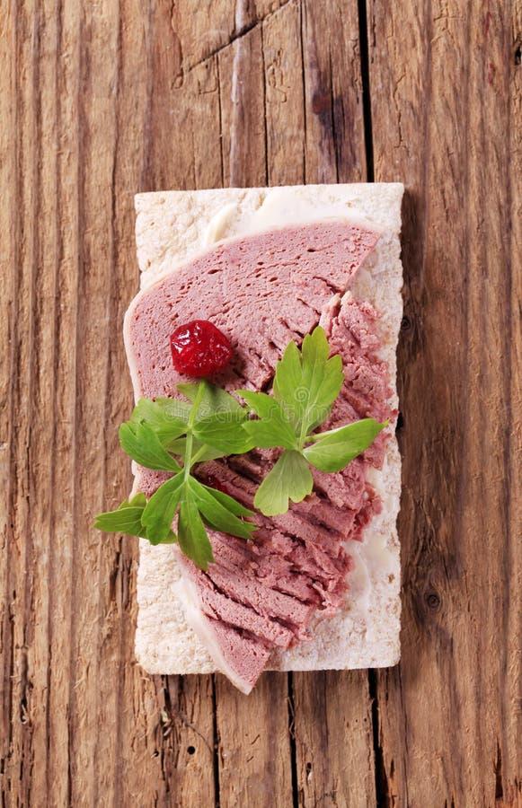 Pasticcio di fegato e del pane croccante fotografie stock