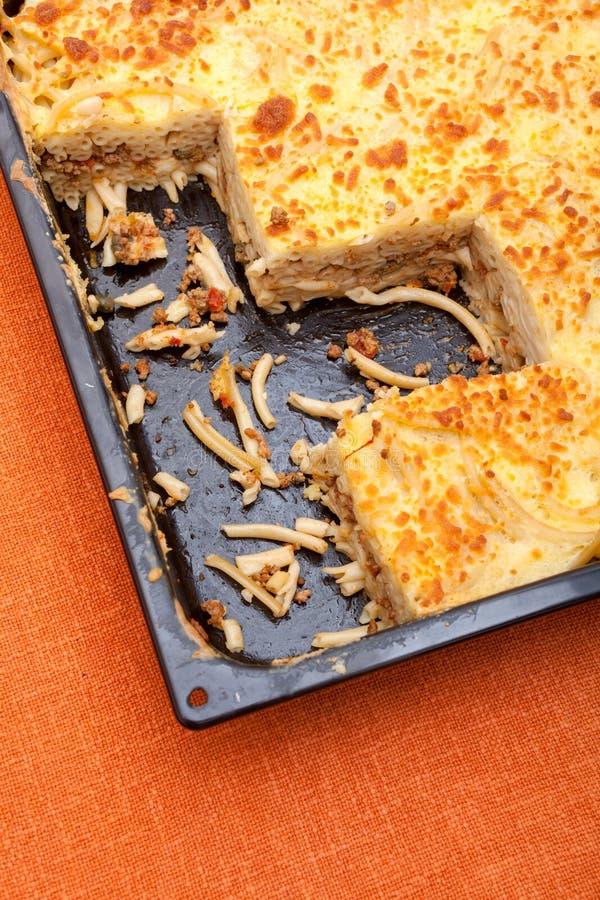 Pastitsio - Grec posé, plat cuit au four de pâtes photos stock