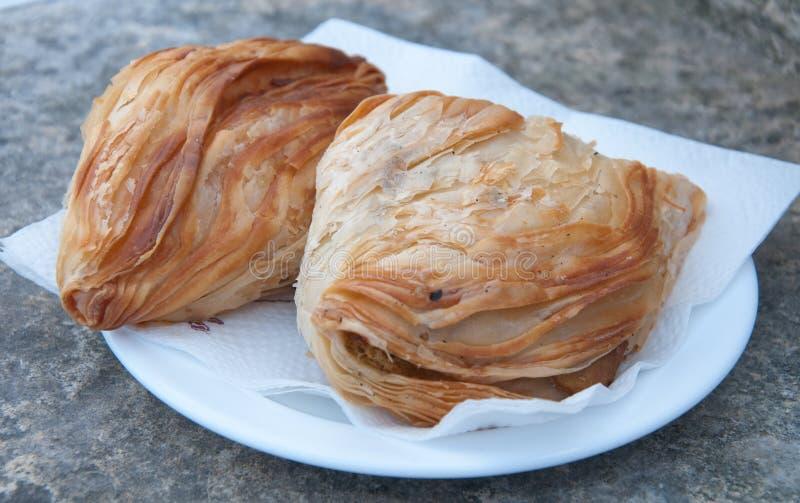 Pastizzi, типичная еда улицы мальтийсная с рикоттой и горохами стоковые изображения rf