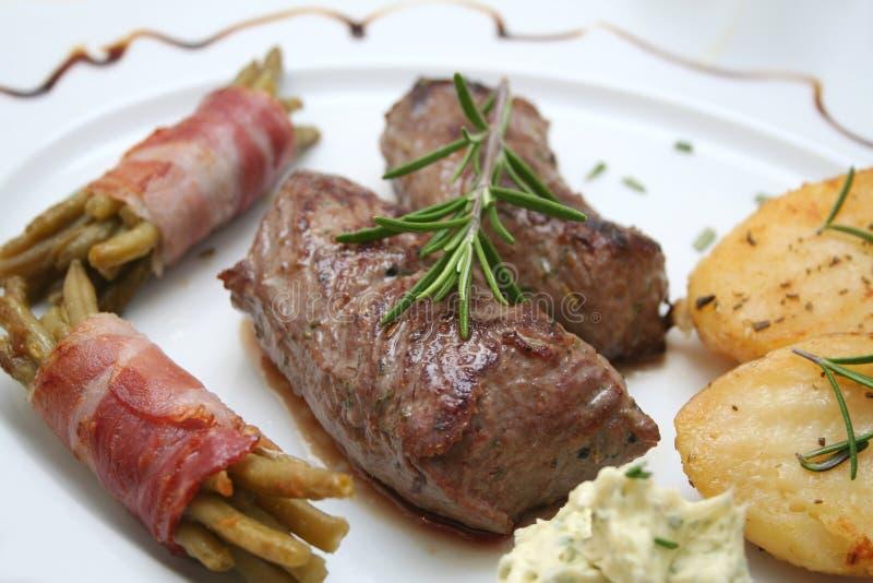 Download Pasto fotografia stock. Immagine di pranzo, bacon, agnello - 7307298