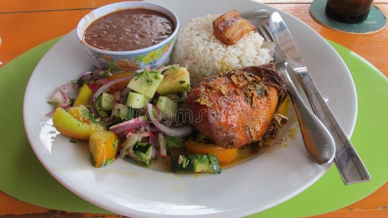 Pasto caraibico tradizionale di ora di pranzo immagini stock libere da diritti