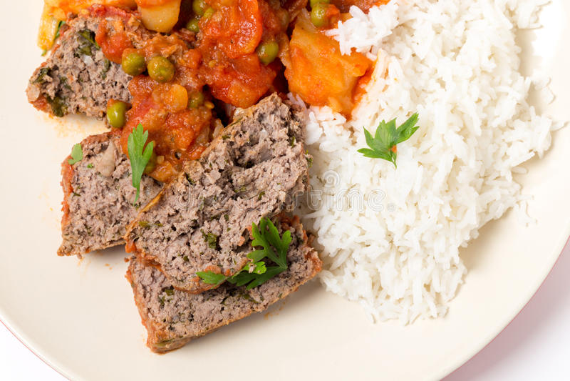 Pasto del polpettone con riso da sopra fotografia stock