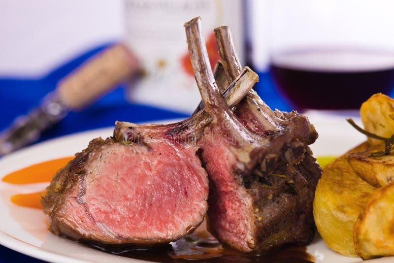 Pasto di carne dell'agnello fotografie stock