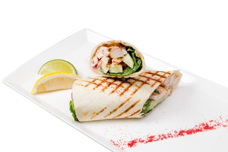 Pasto di kebab sul piatto Isolato fotografia stock libera da diritti