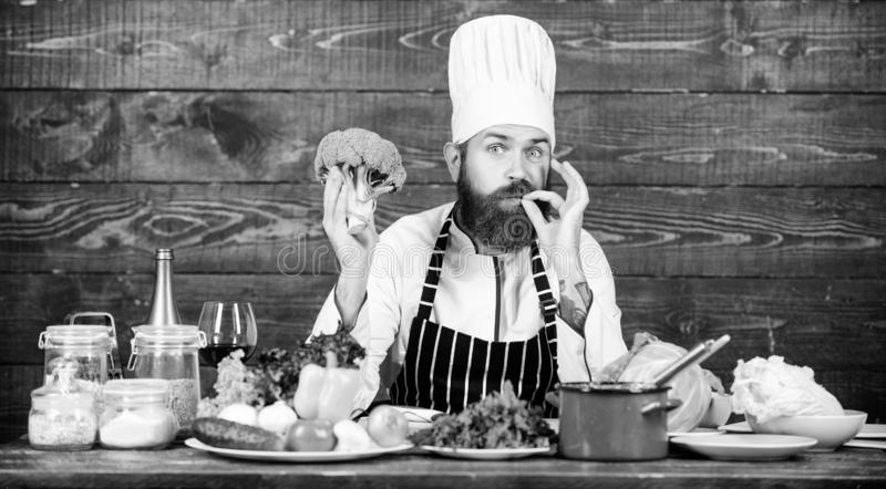 Pasto vegetariano Alimento biologico Ingredienti freschi soltanto Concetto culinario di ricetta Cottura barbuta dei pantaloni a v immagini stock