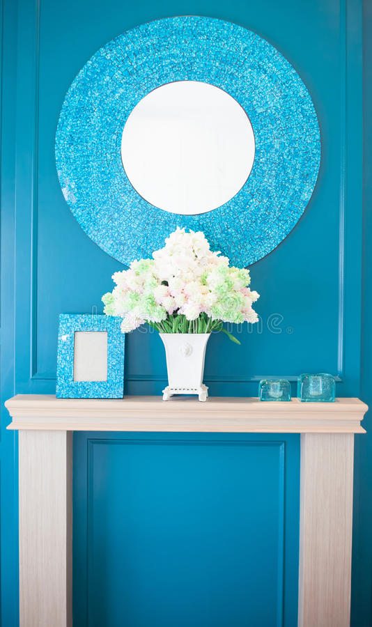 Pastoralny stylowy sypialni lustro fotografia royalty free