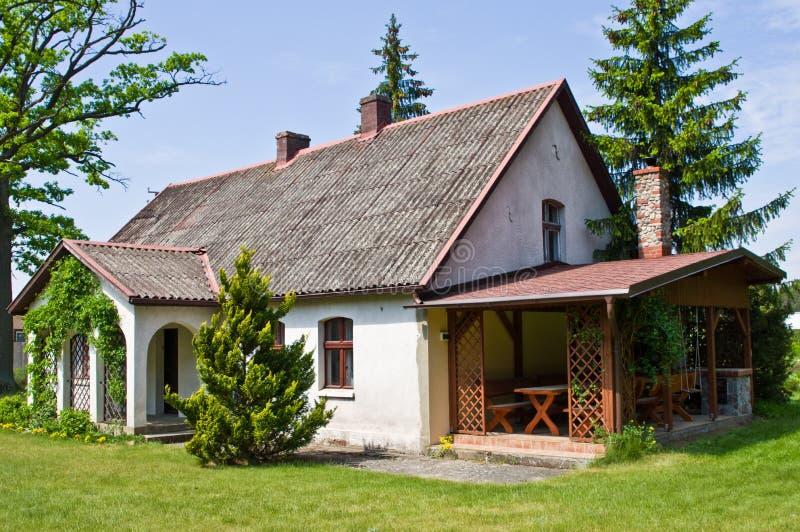 Pastoralny wiejski dom w północnym Polska fotografia royalty free