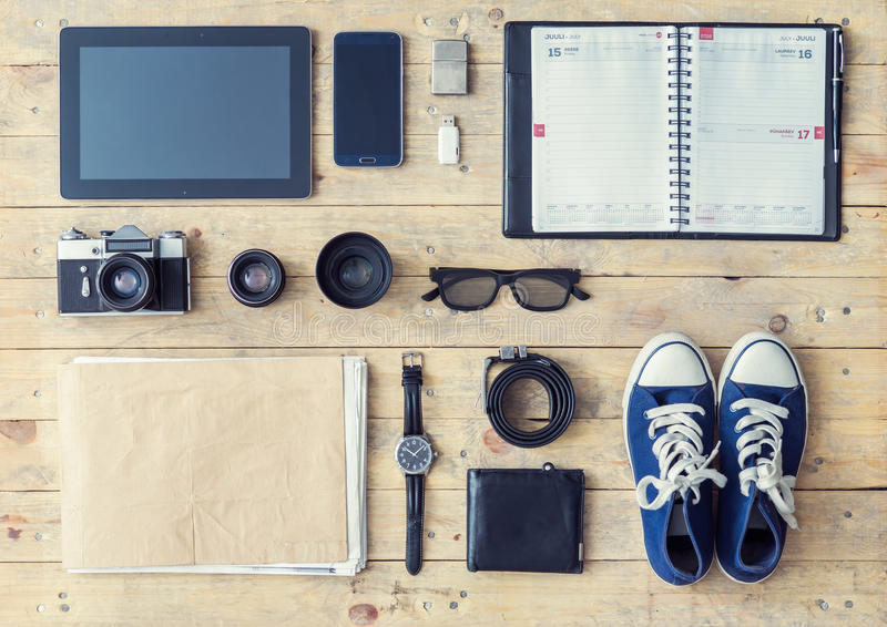 Pastylka, telefon, album, szkła, kamera, obiektywy, portfel, gumshoes, obrazy royalty free