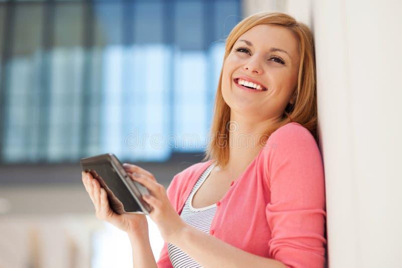 pastylki cyfrowa kobieta zdjęcie stock