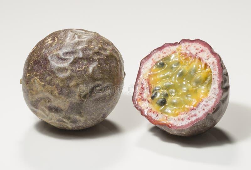 Pasyjnej owoc przekrój poprzeczny obraz stock