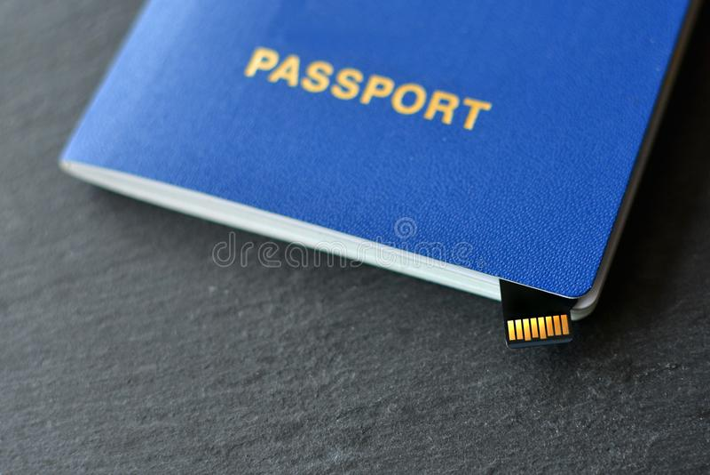 Paszporta id z mikro układem scalonym obraz stock