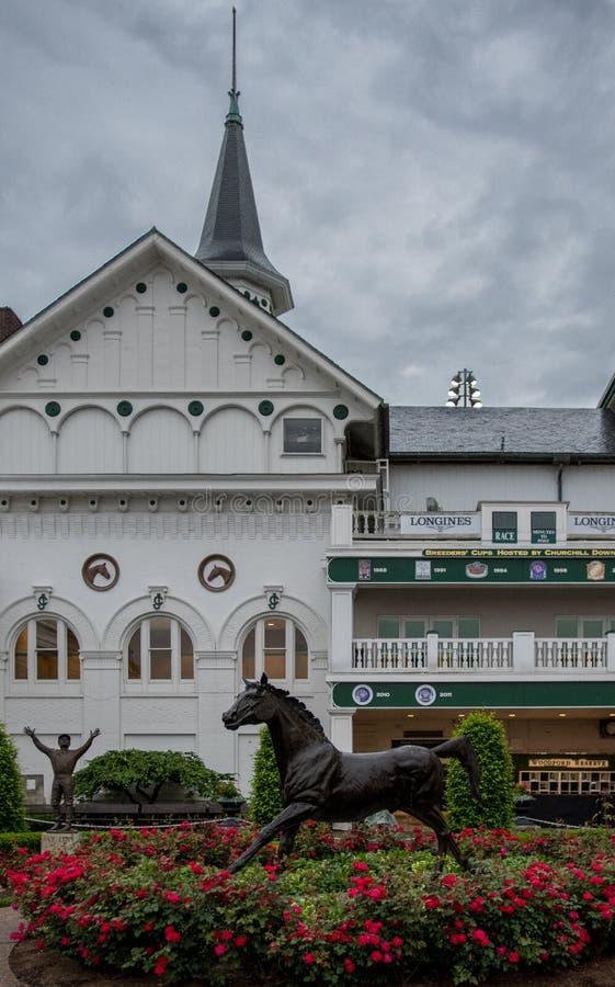 Pat Day e Aristides Statue em Churchill Downs imagem de stock