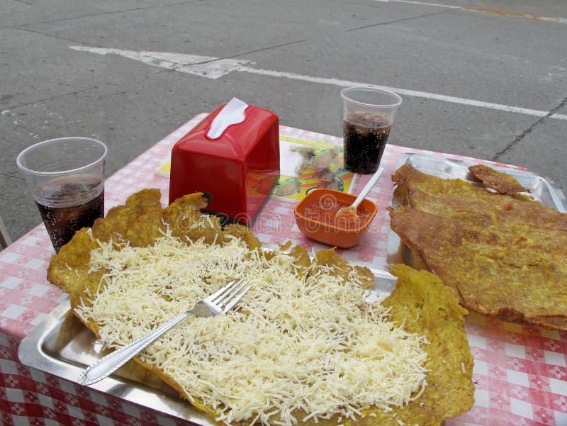 Patacon或绿色大蕉, Salento,哥伦比亚,南美toston,油煎的和被铺平的片断  库存图片