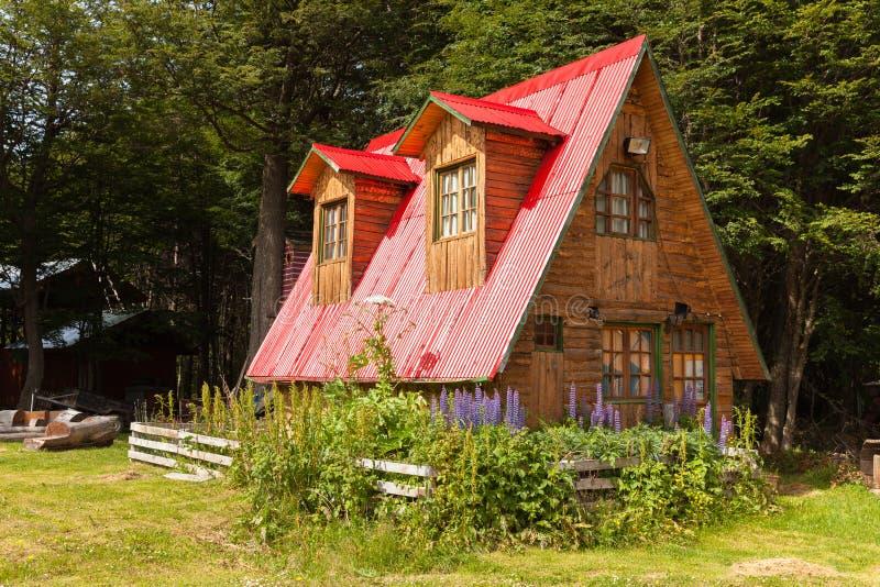 Patagonia de madera de Argentina de la casa imagenes de archivo