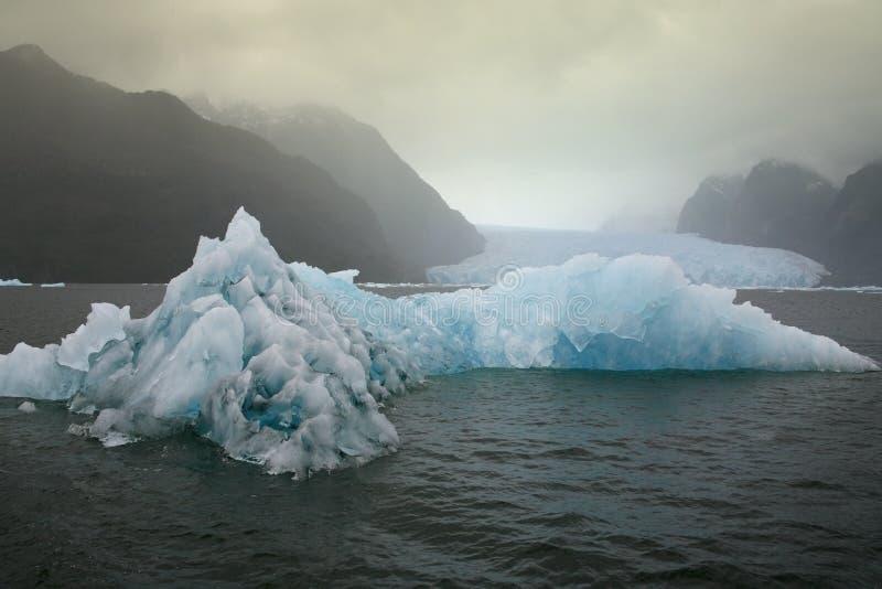 Patagonia nel Cile - ghiaccio marino di galleggiamento immagini stock