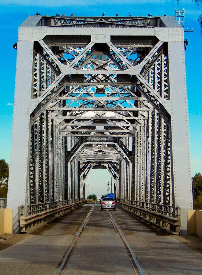 Patagonian brug die zich bij de provincies van Buenos aires en Rio Negro aansluit stock fotografie