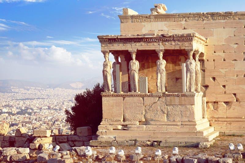 Patamar da cariátide do Erechtheion em Atenas fotografia de stock