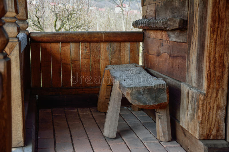 Patamar de uma casa velha do camponês fotografia de stock