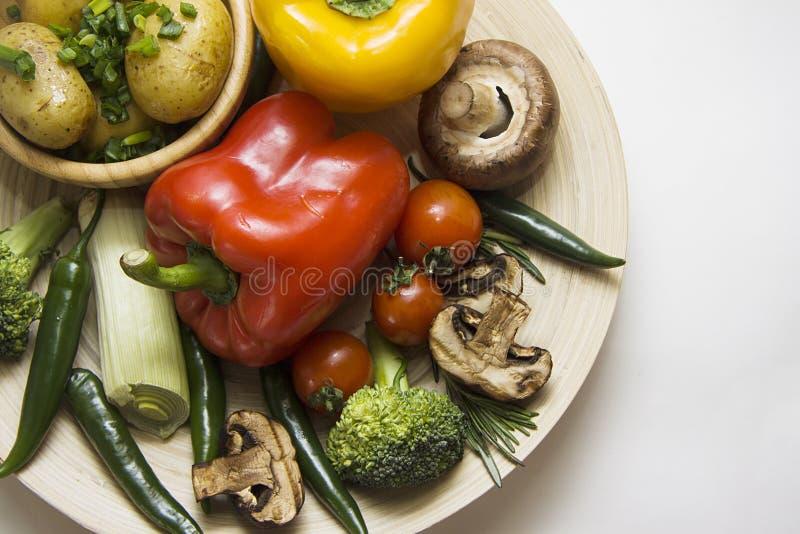 Patata con las verduras con el espacio de la copia fotografía de archivo libre de regalías