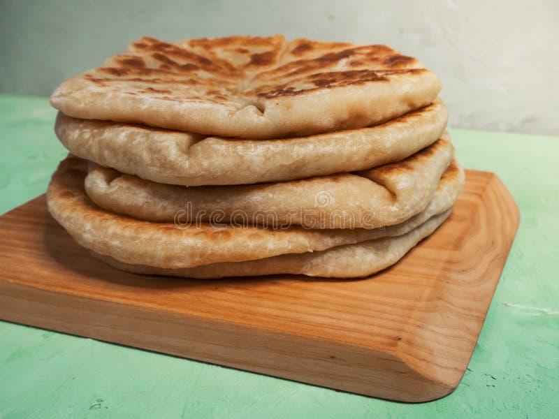 Patata di Afgan e pane della cipolla di inverno - Bolani Kachaloo fotografie stock