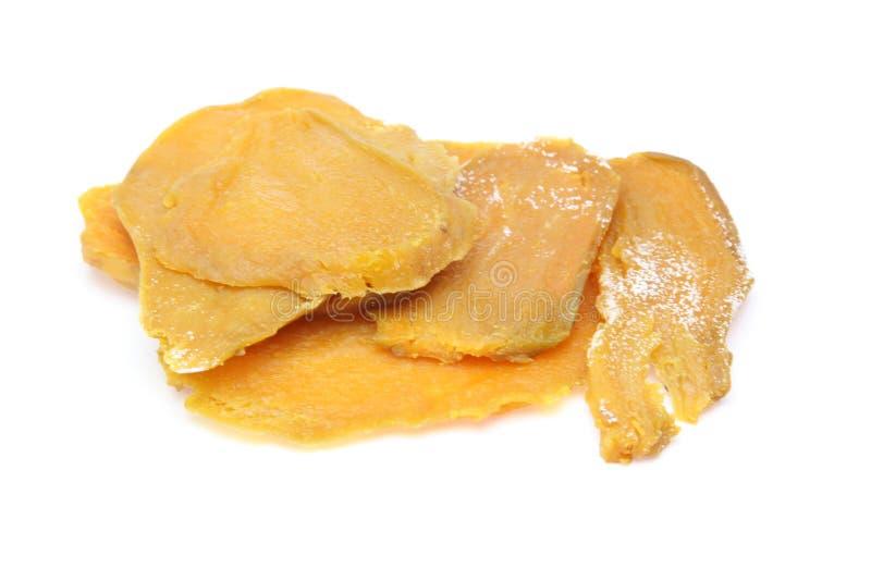Patata dulce secada en un fondo blanco imágenes de archivo libres de regalías