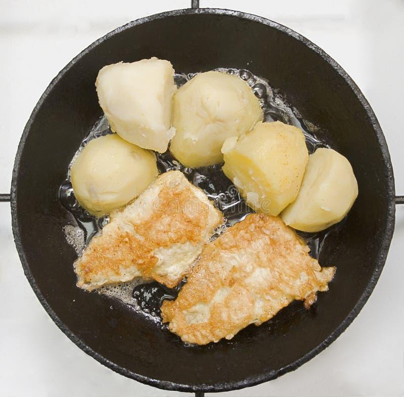 Patata e pesci immagini stock libere da diritti