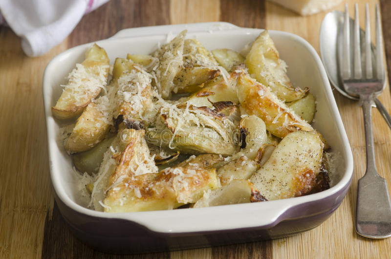 Download Patatas asadas foto de archivo. Imagen de fresco, alimento - 41905076