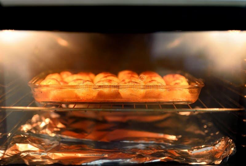 Patatas cocidas al horno fotos de archivo libres de regalías