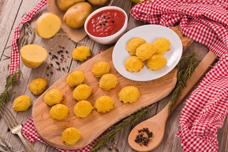 Patatas de la duquesa imágenes de archivo libres de regalías