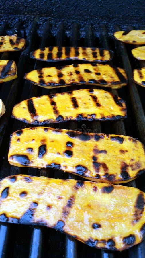 Patatas dulces asadas a la parrilla imagen de archivo libre de regalías