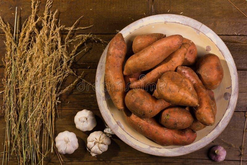 Patatas dulces orgánicas fotografía de archivo