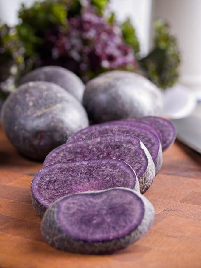 Patatas púrpuras imágenes de archivo libres de regalías