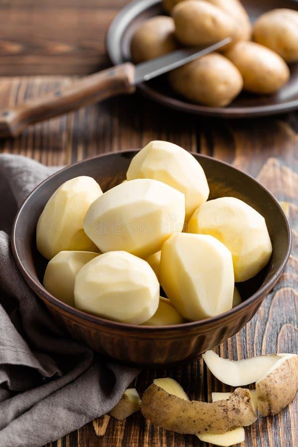 Download Patatas peladas foto de archivo. Imagen de orgánico, oscuro - 44856198