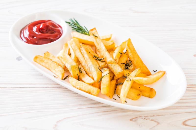 Patate fritte con salsa immagine stock libera da diritti