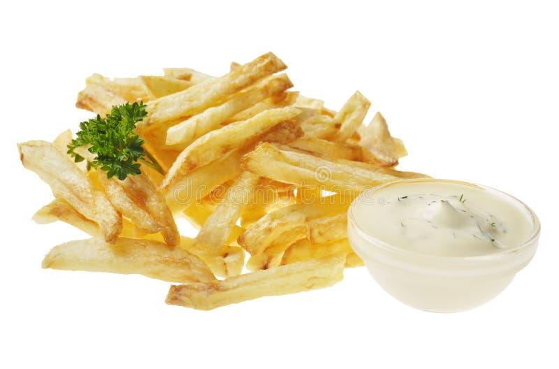 Patate fritte sui precedenti isolati bianco immagine stock