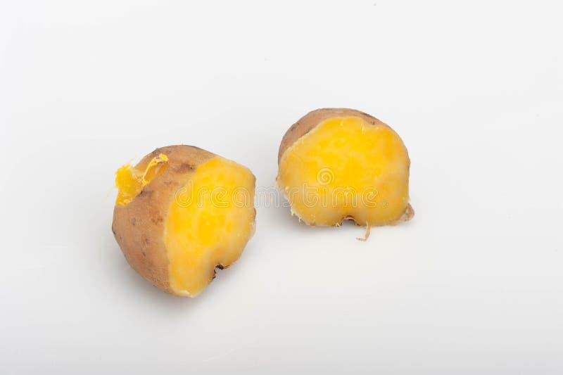 Patates douces cuites à la vapeur images libres de droits