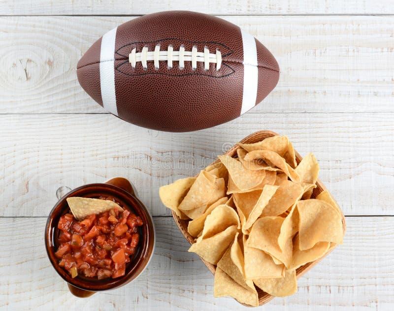 Patatine fritte, salsa e calcio fotografia stock libera da diritti