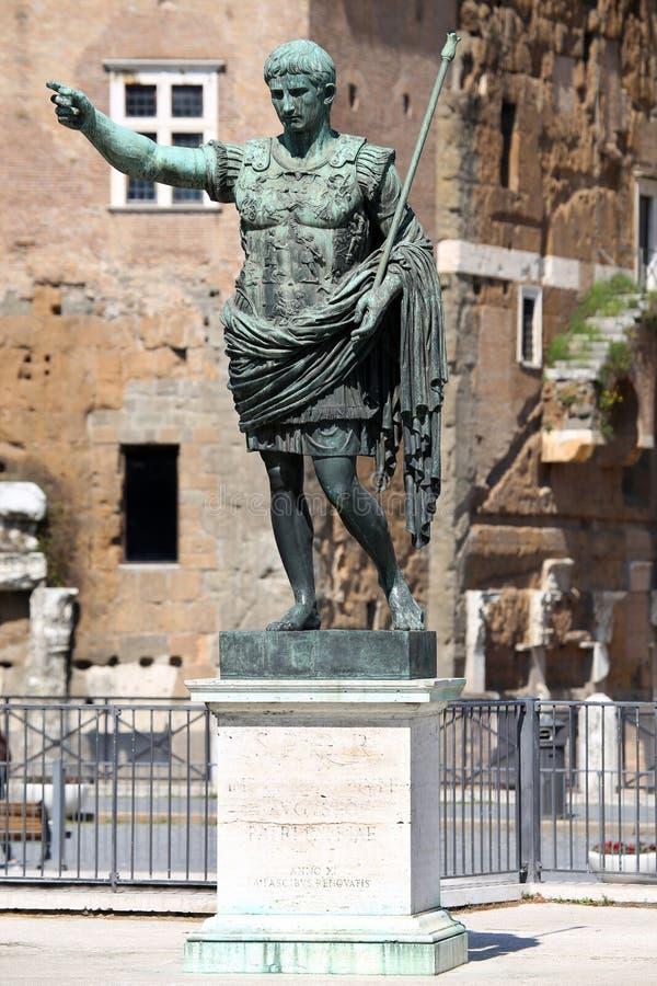 PATER ЦЕЗАРЯ Augustus PATRIAE статуи, Рим, Италия стоковые фотографии rf