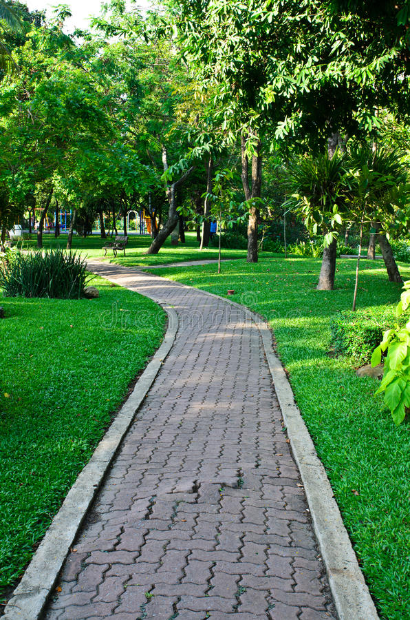 Download Path Through The Landscaped Park Royalty Free Stock Image - Image: 31804656