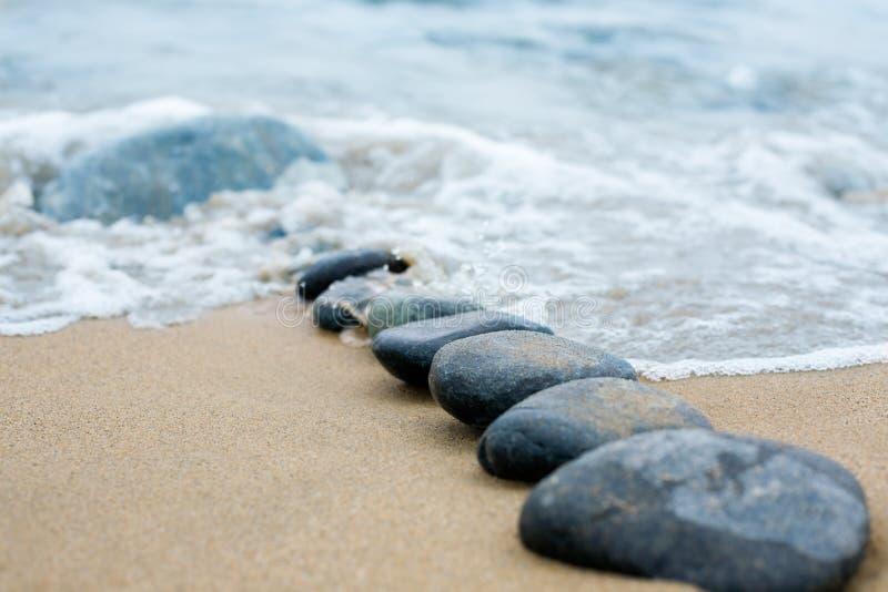 Path.pebble.sea imagen de archivo libre de regalías