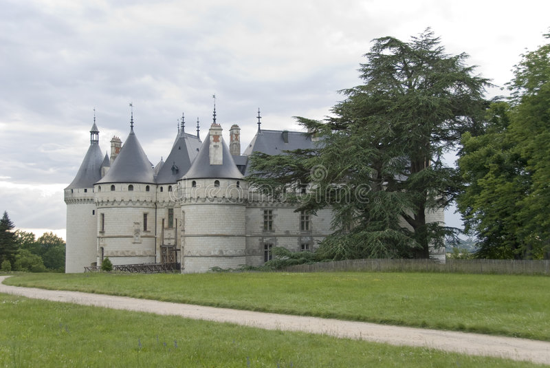 Download Path To The Castle Chaumont-sur-Loire Stock Photo - Image of luxury, heritage: 5529888