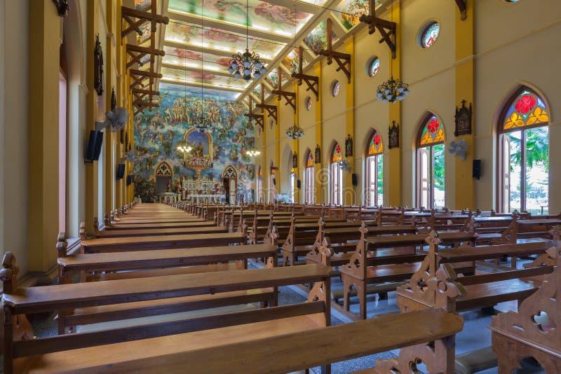 PATHUMTANI, TAILÂNDIA - 28 DE FEVEREIRO: Os interiores do católico c fotografia de stock royalty free